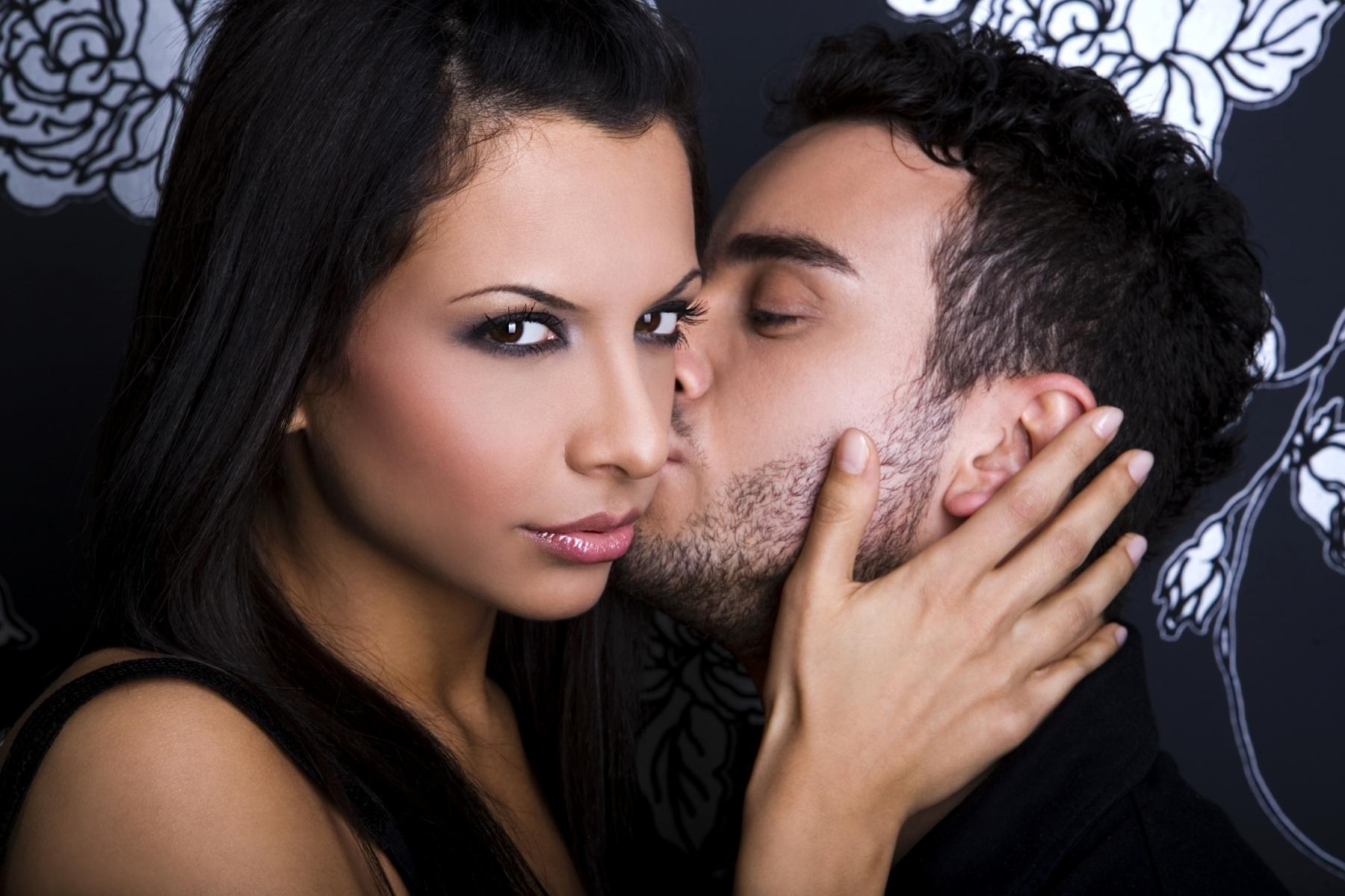 Как снять любовный приворот